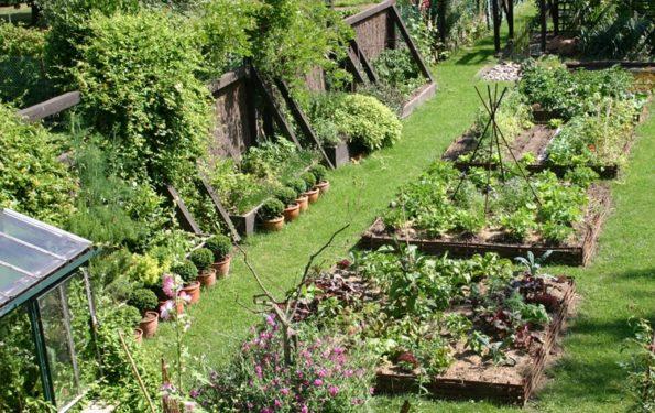 Idees D Amenagements Paysagers Dans Le Jardin Efnudat